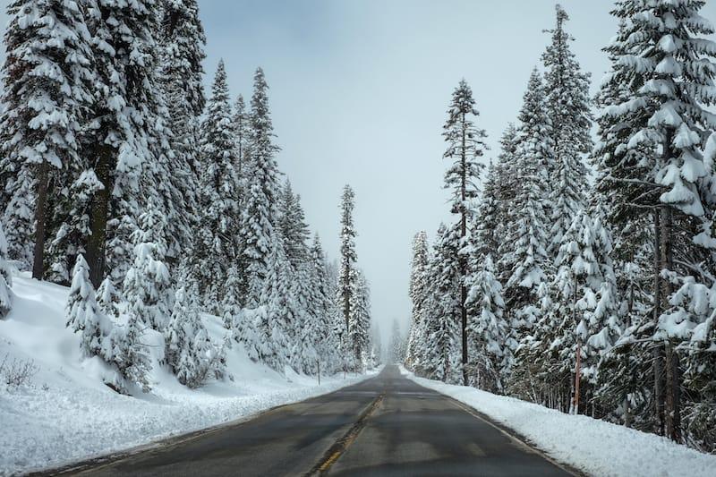 strada nevosa